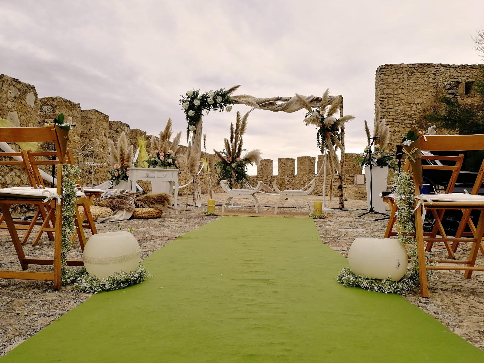 boda-civil-castillo-tonos-verdes-LJ-05_HIDROJARDIN-Bañeres