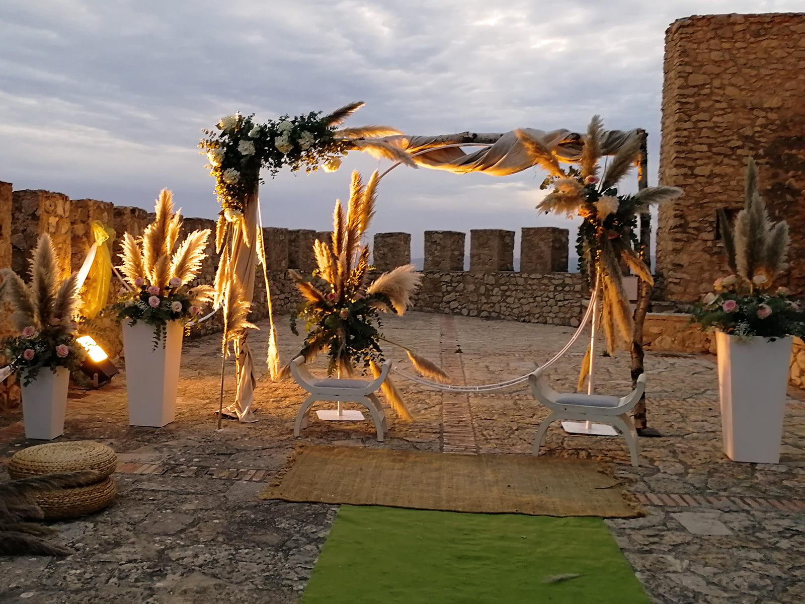 boda-civil-castillo-tonos-verdes-LJ-07_HIDROJARDIN-Bañeres