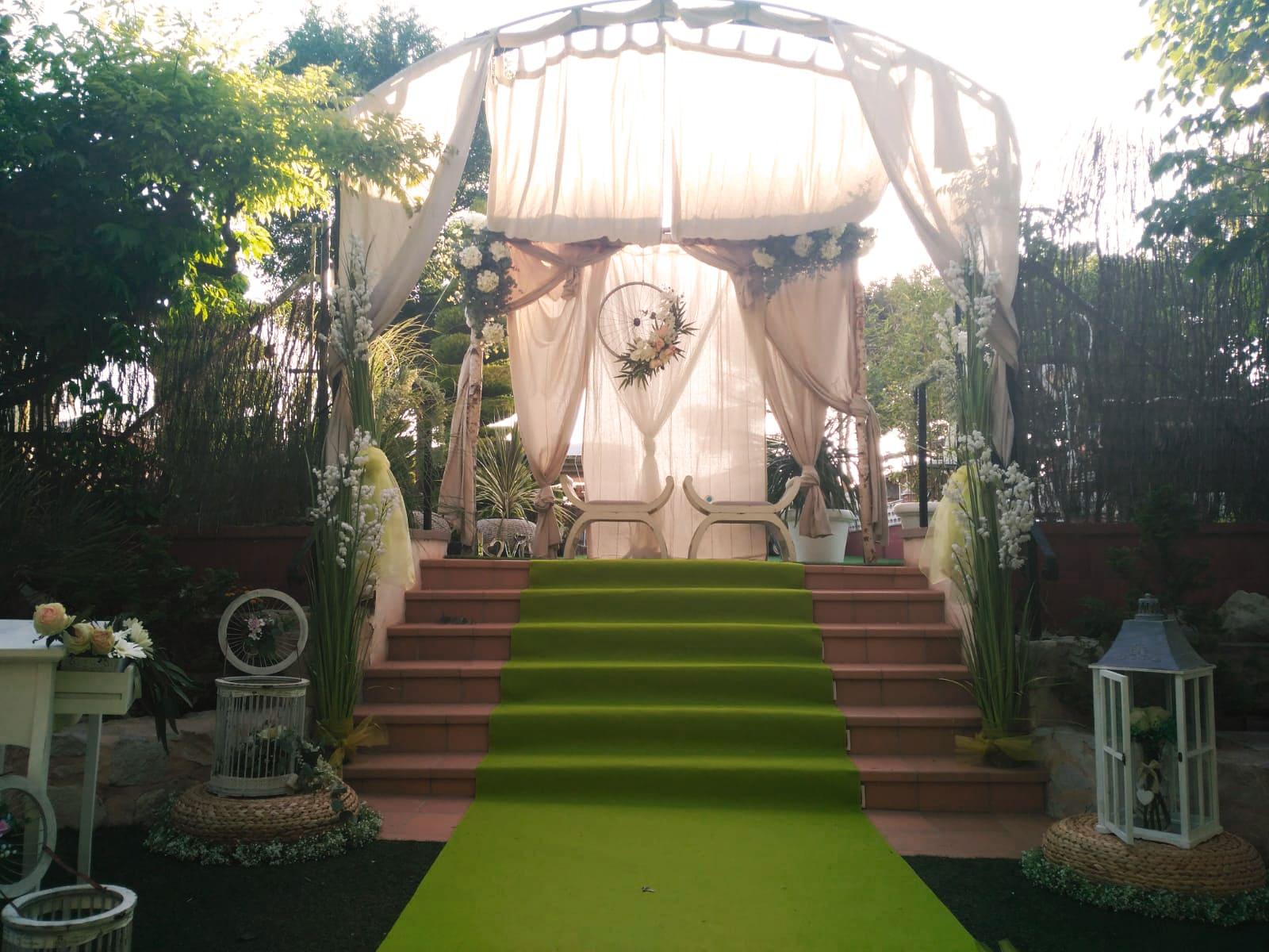 boda-civil-tonos-verdes-MJ-02_HIDROJARDIN-Bañeres