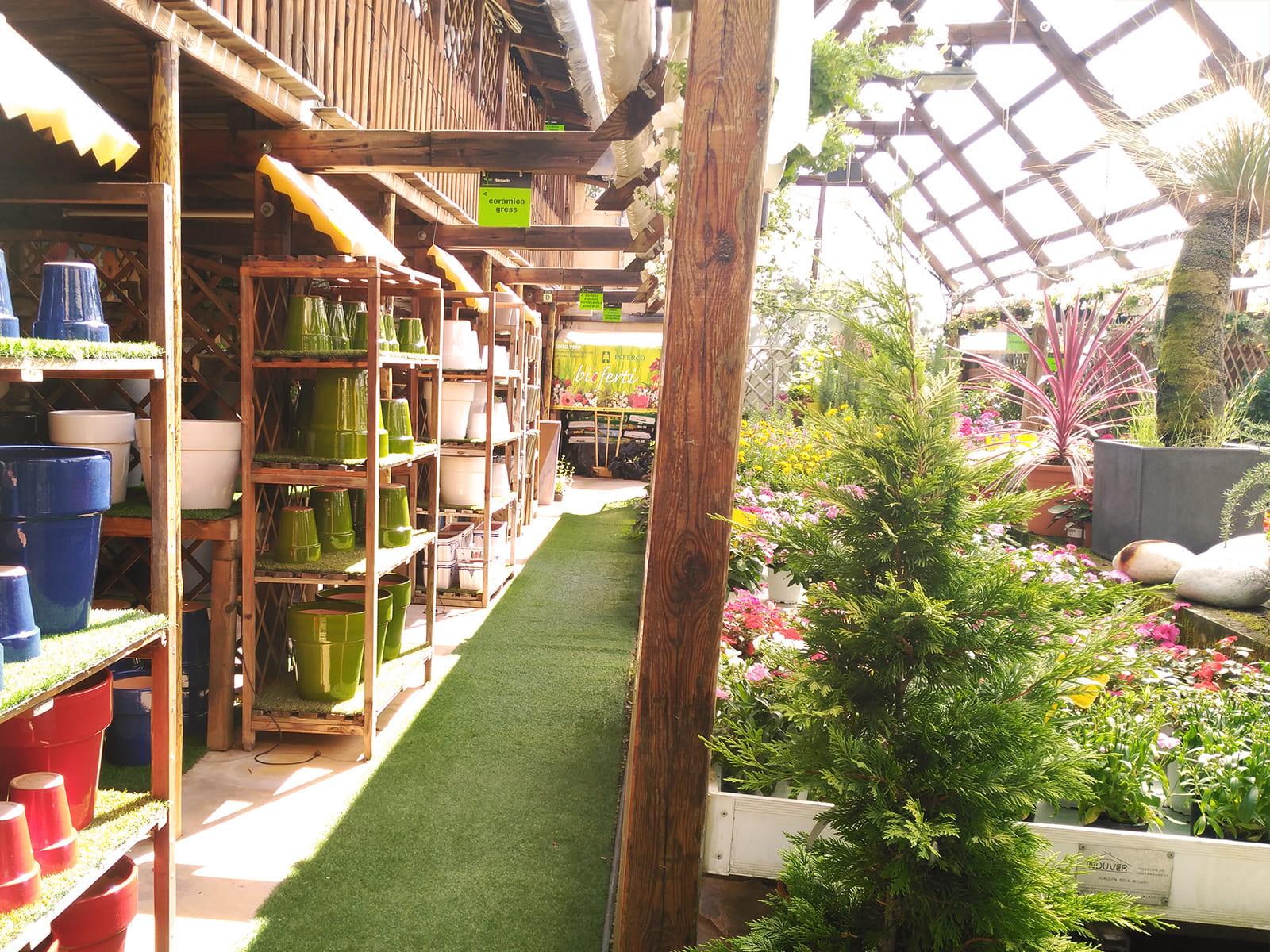 centro-jardineria-garden-invernadero-artesanal-madera-fuente-10_HIDROJARDIN-Bañeres