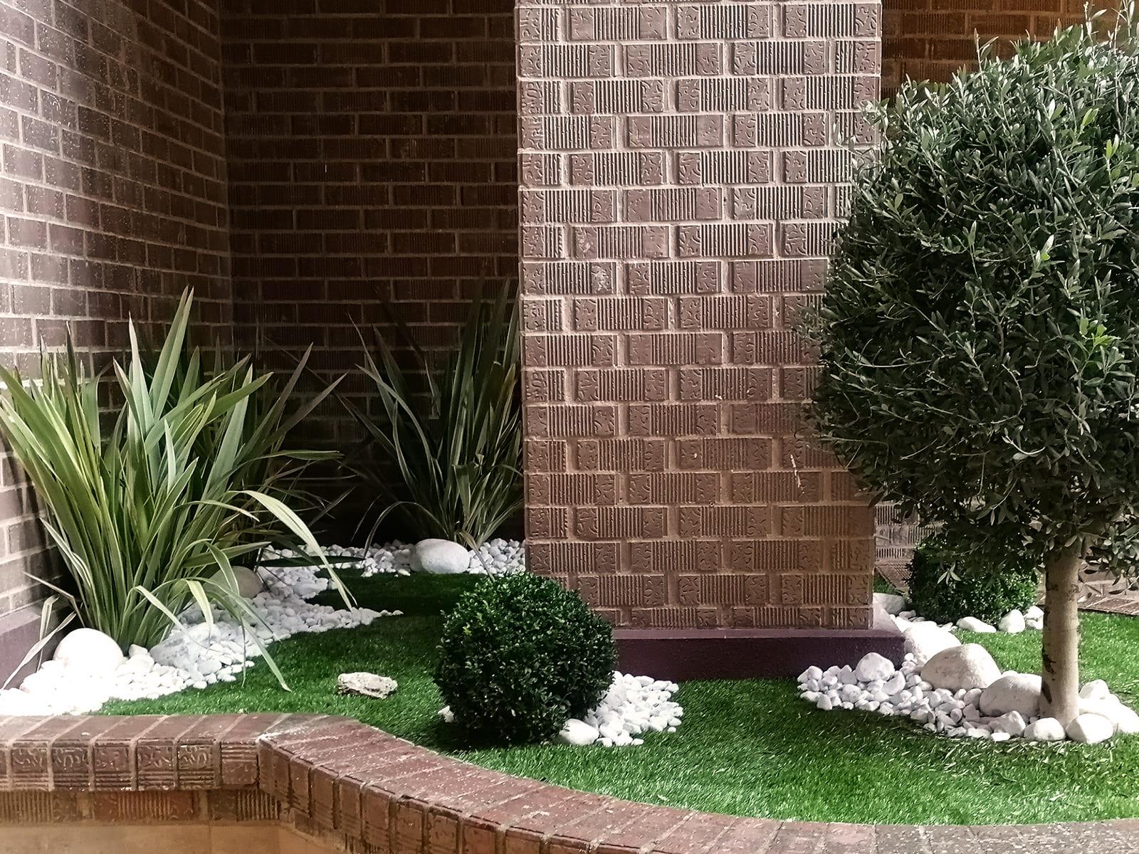 diseño-exteriores-jardineras-CA-04_HIDROJARDIN-Bañeres