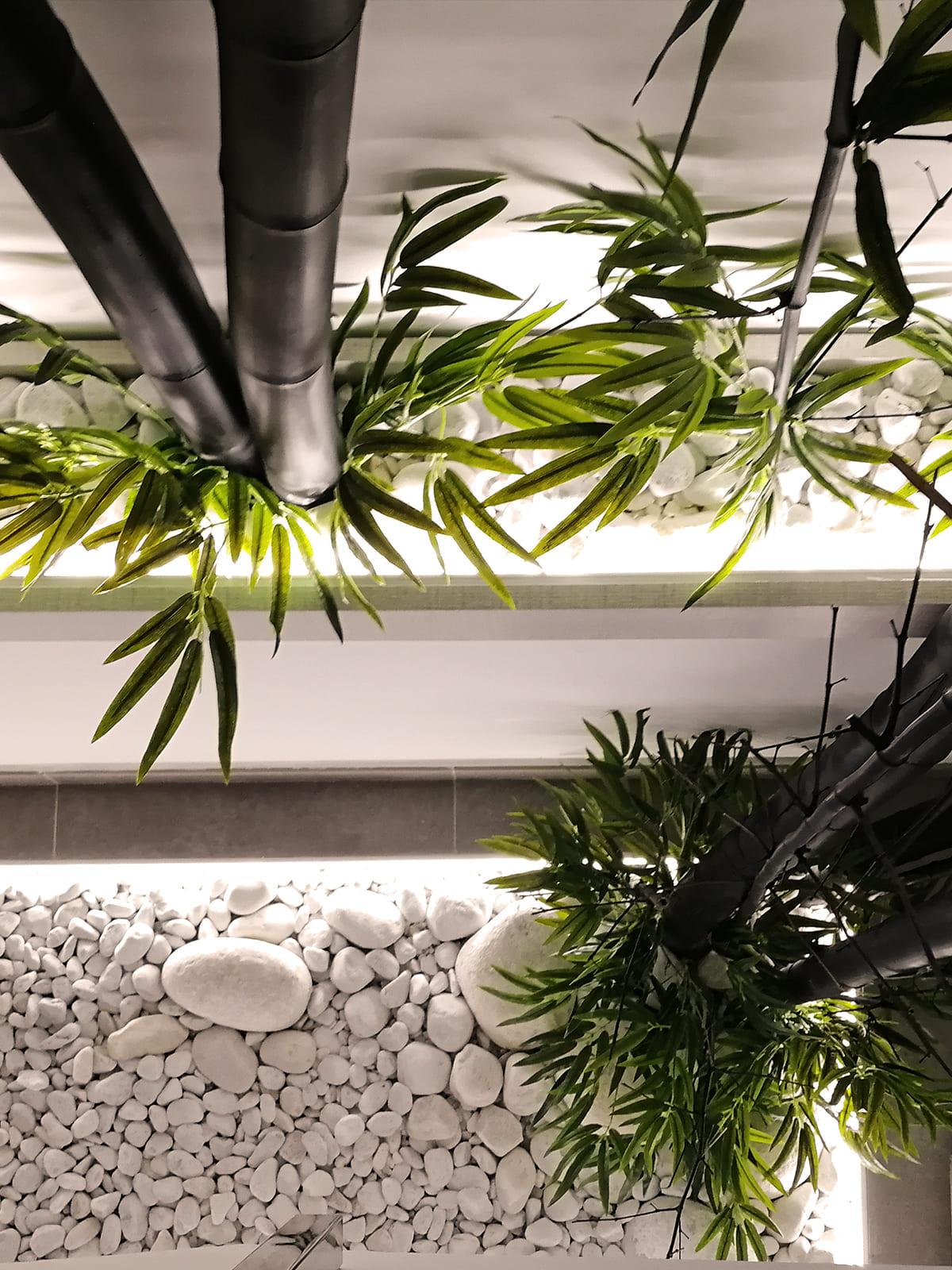 diseño-interiores-entrada-vivienda-escalera-bambu-JM-07_HIDROJARDIN-Bañeres