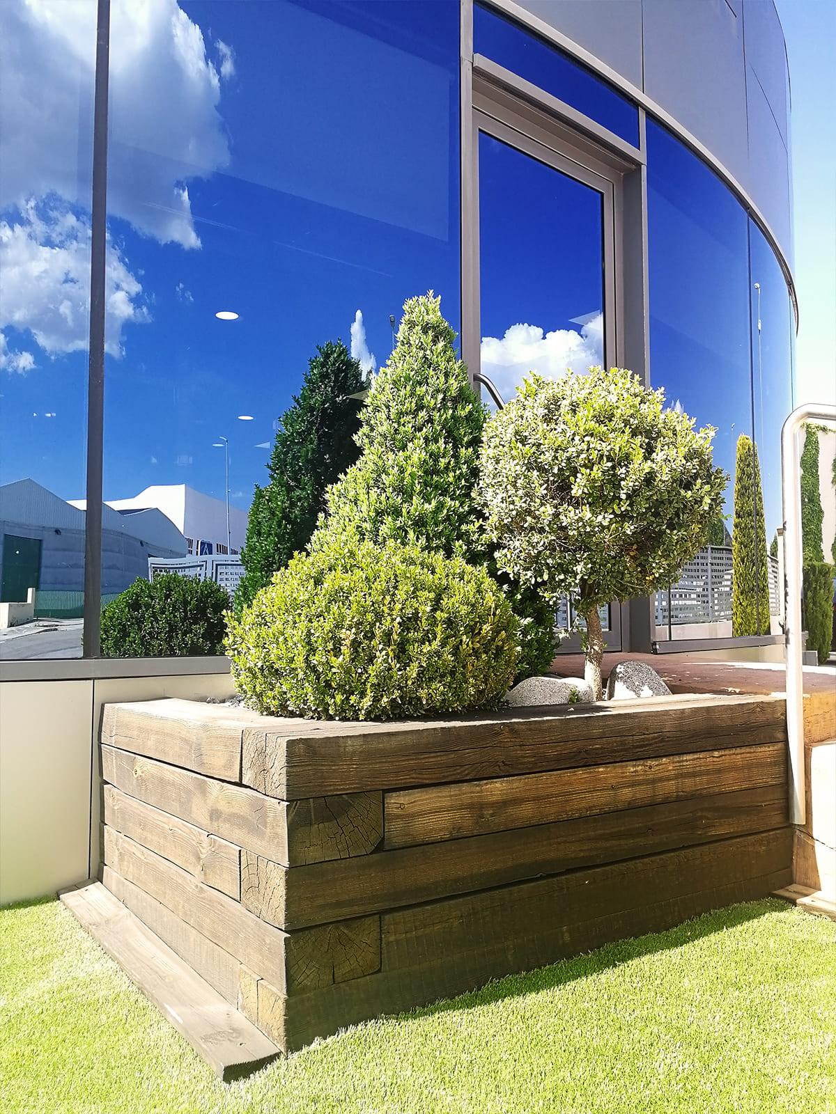 diseño-exteriores-entrada-empresa-FF-06_HIDROJARDIN-Bañeres