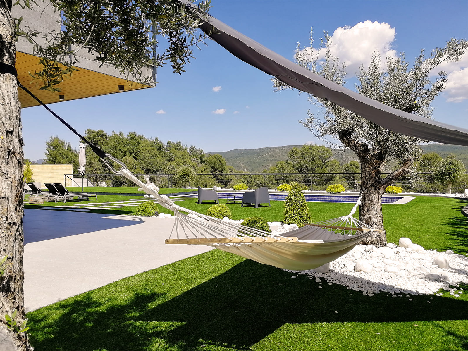 diseño-jardines-hamaca-olivo-JP-06_HIDROJARDIN-Bañeres