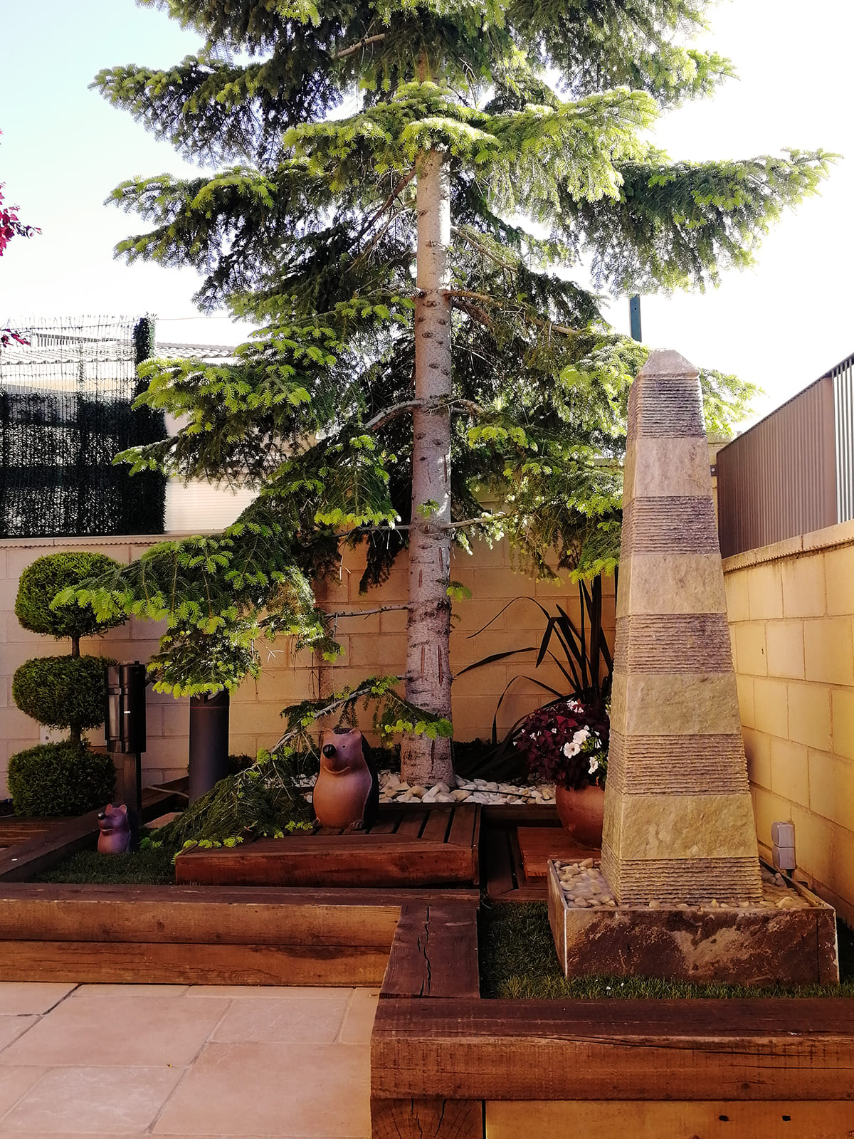 diseño-jardines-palmeras-abeto-LF-03_HIDROJARDIN-Bañeres