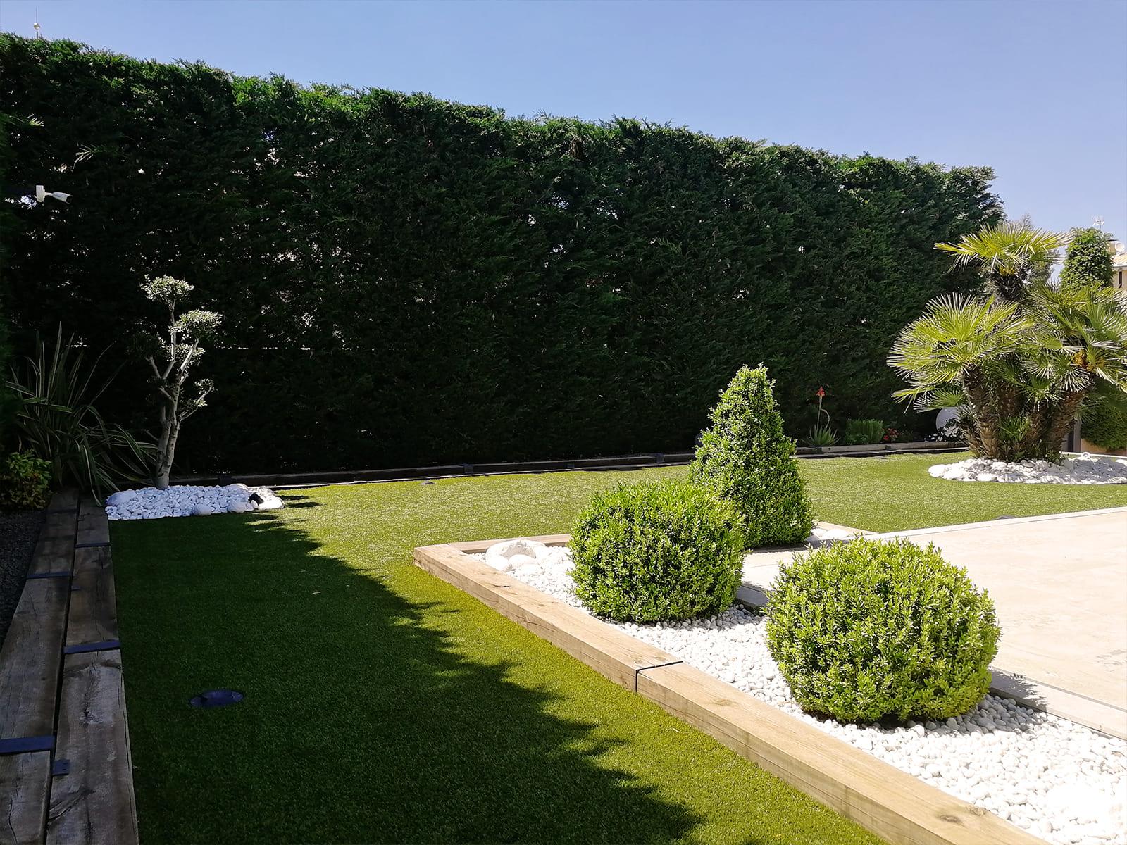 diseño-jardines-piscina-solarium-madera-IJ-06_HIDROJARDIN-Bañeres.jpg