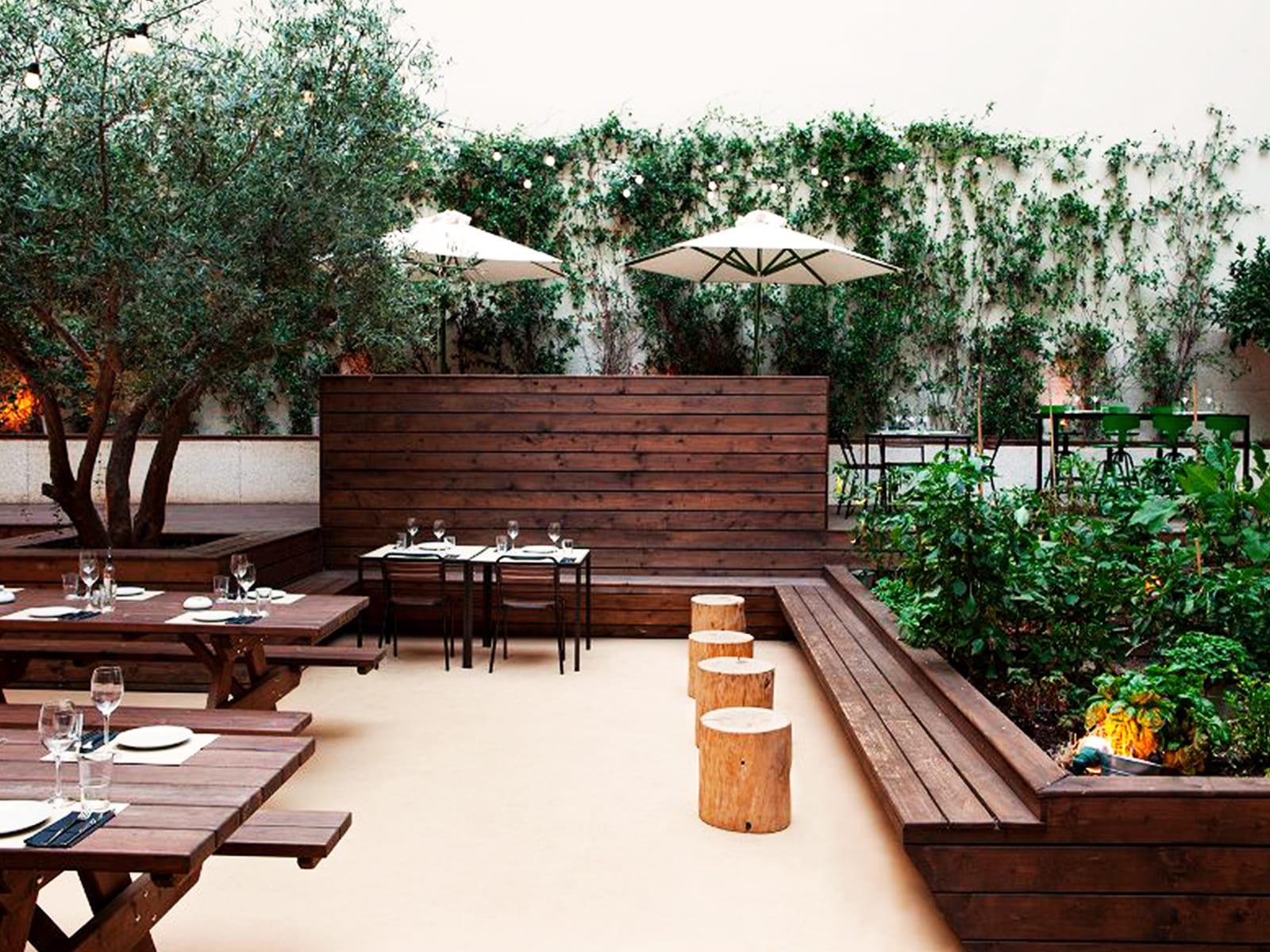 blog-vegetacion-decoracion-bares-restaurantes-16_HIDROJARDIN-Bañeres
